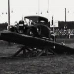 Racerkørerne til Danish Ford Rodeo skulle blandt andet have deres biler over et vippebræt. Se hele filmen nedenfor. Foto: Billede fra filmen af Ford Motor Company.