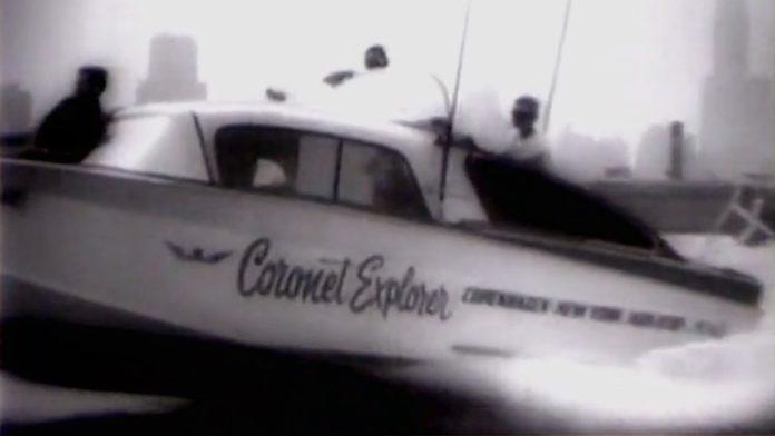 Tre danske mænd ankom til New York efter at have krydset Atlanten i speedbåd. Billede fra film af Universal Studios.