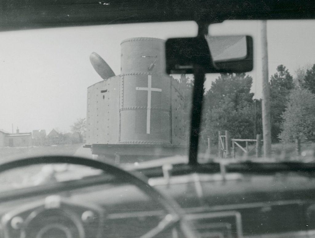 På billedet her ses bagenden af panservognen V3. Fotokilde: Nationalmuseet, Danmark. Licens ifølge Nationalmuseet: No known rights. Fotograf: Ikke oplyst.