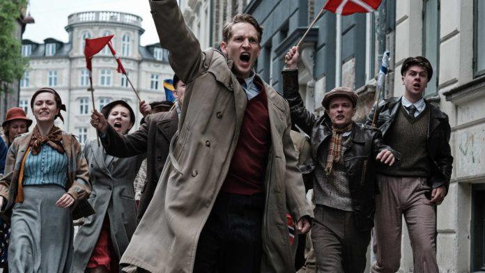 Filmen De forbandede år om en dansk familie under Besættelsen kan nu streames online. Foto: Henrik Petit (pressemateriale).