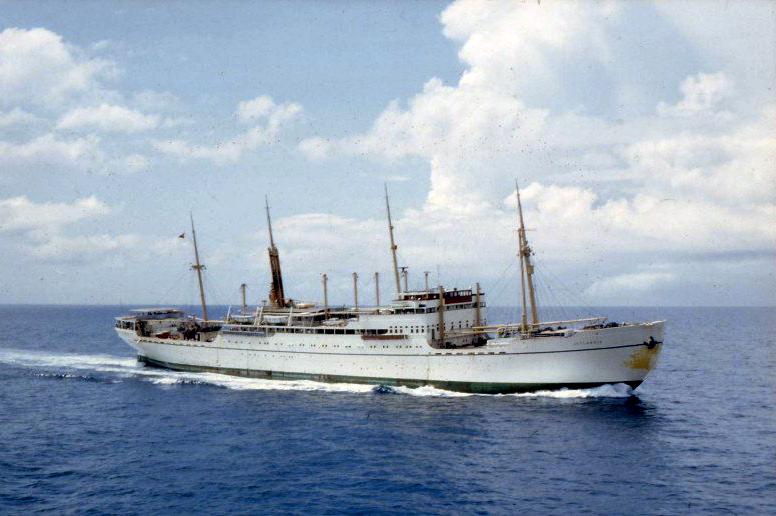 """På billedet her ses M/S Jutlandia """"i civil"""" i 1963. Ophavsmand: Maskinchef Svend Lehmann Nielsen Fotokilde: snesejler.dk // Wikimedia Commons"""